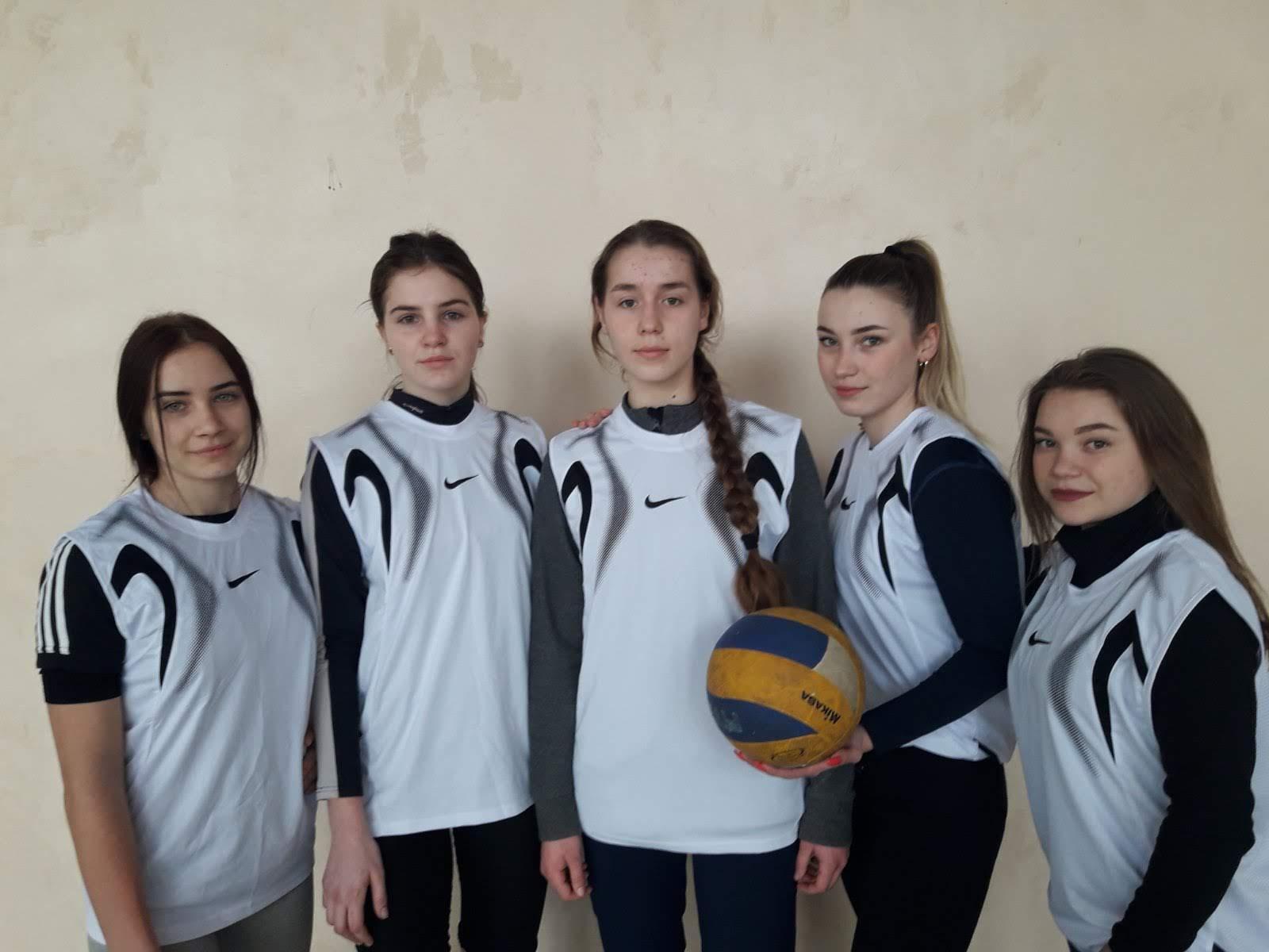 Першість коледжу з волейболу серед дівчат